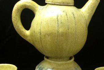 1986-archaisches-Teeservice-Keramik-H50cm