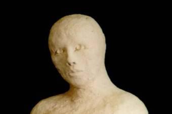 1999 Frau im Aufbruch Keramik H31cm verkauft