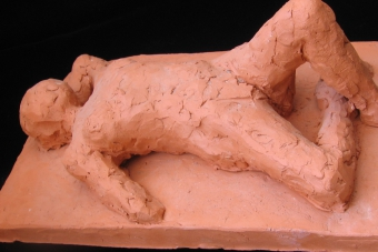 1999 Liegende Keramik L24cm