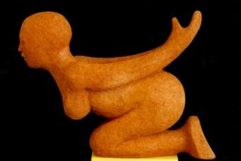 2001 Moderne Sphinx Keramik H27cm verkauft