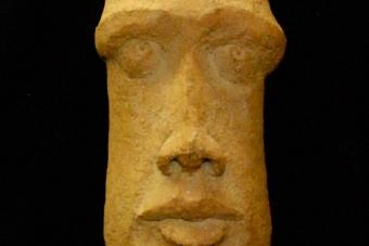 2009 Moaifrau  Keramik H54cm verkauft